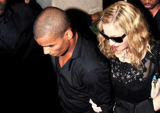 Who is madonna dating currently